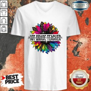 It Take A Lot Of Sparkle To Be A 1st Grade Teacher Colorful Sunflower Leopard V-neck